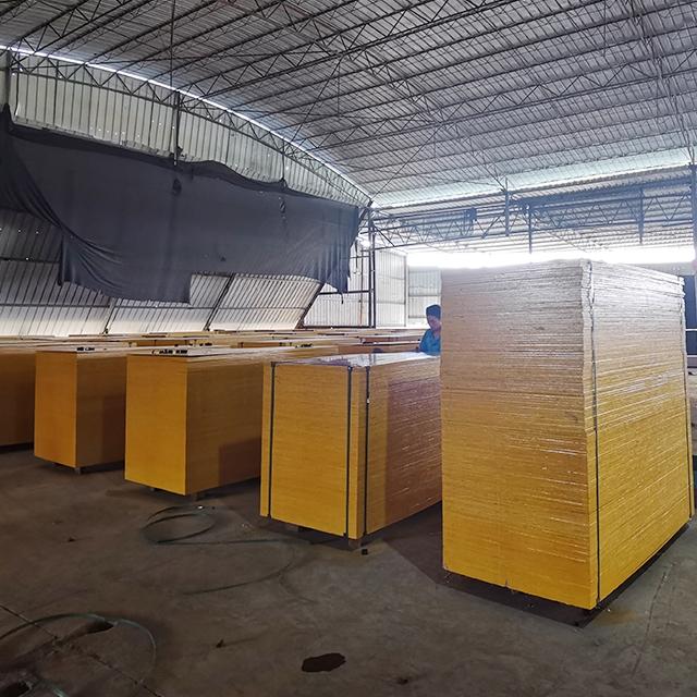 建筑模板生产厂家-优质的建筑清水模板保温性能优越