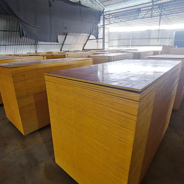 建筑模板生产厂家-清水模板能多用几次?
